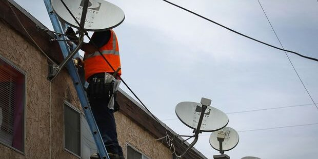 AT&T's DirecTV Spinoff Wins Points for Strategy, but Not for Financial Impact
