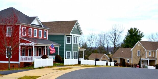 Now that mortgage rates are soaring, are Americans making a big mistake?