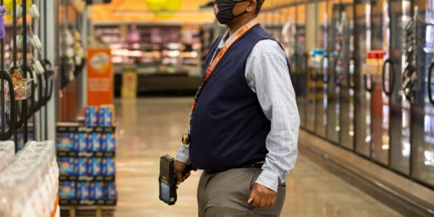 Kroger to close 3 stores in Los Angeles over a $5-per-hour hazard pay mandate