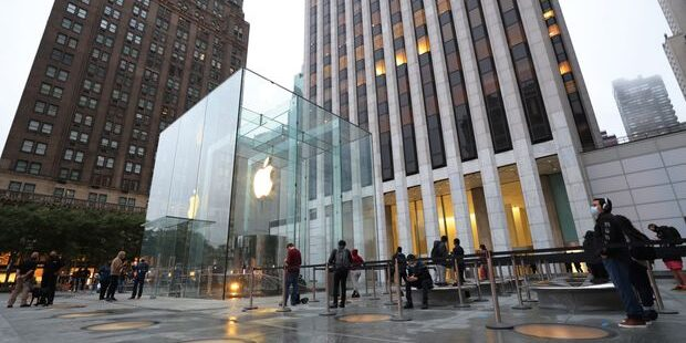 Apple and 7 More Companies That Raised Their Dividends This Week. What Investors Need to Know.