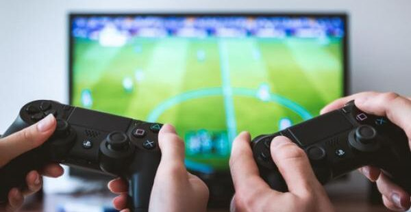 Last Week's Notable Insider Buys: Activision, Avis Budget, Energy Transfer And More