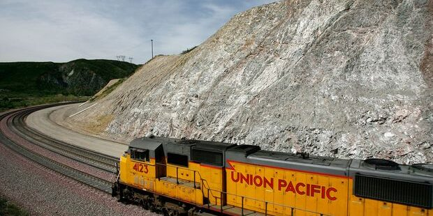 Union Pacific and Other Companies That Raised Their Dividends This Week
