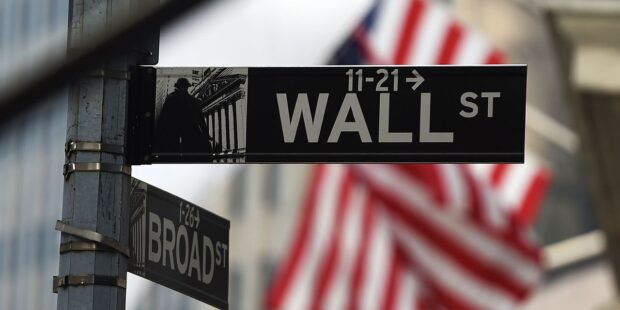 Dow futures pointing toward fifth straight blue-chip advance