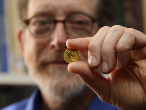 Gold on track for sharpest one-day rise since mid-May