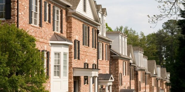These cities have the biggest share of homeowners in danger of foreclosure