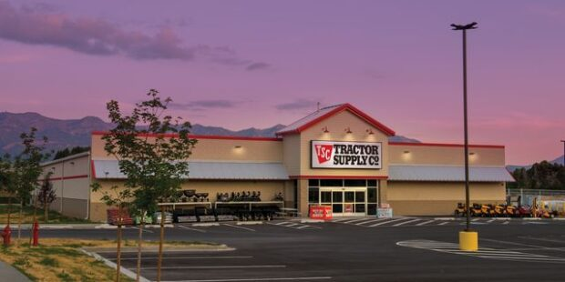 Tractor Supply's Earnings Were Better Than Expected. Why the Stock Is Falling.