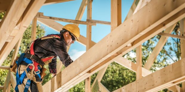 Trade group cites labor and material shortages as home-builder confidence falls