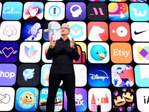 Apple's stock heads toward record after concessions for Netflix, Spotify and other app makers