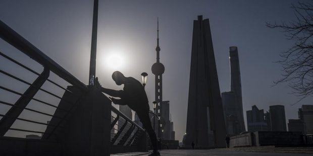 Shanghai Suspends Key Approval on Route to Offshore Listings
